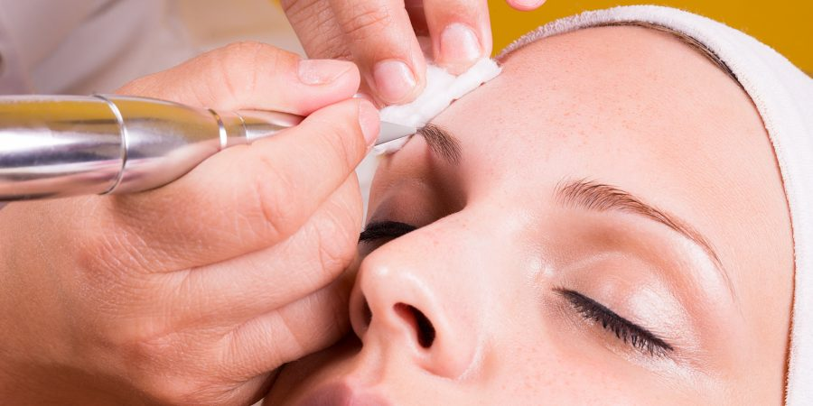 young lady getting semi permanent eyebrows